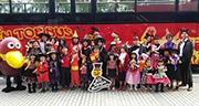 天神でハロウィーンイベント 仮装でオープントップバス乗車も