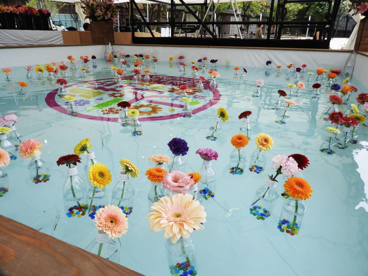 「花と水のボタニカルアート」