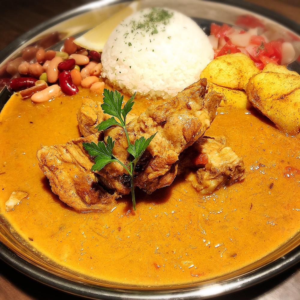 「Kitchen curry SPICE ONION」の「地鶏ダシの旨味溢れる話題のスリランカカレー」(写真は実店舗で提供しているもの)