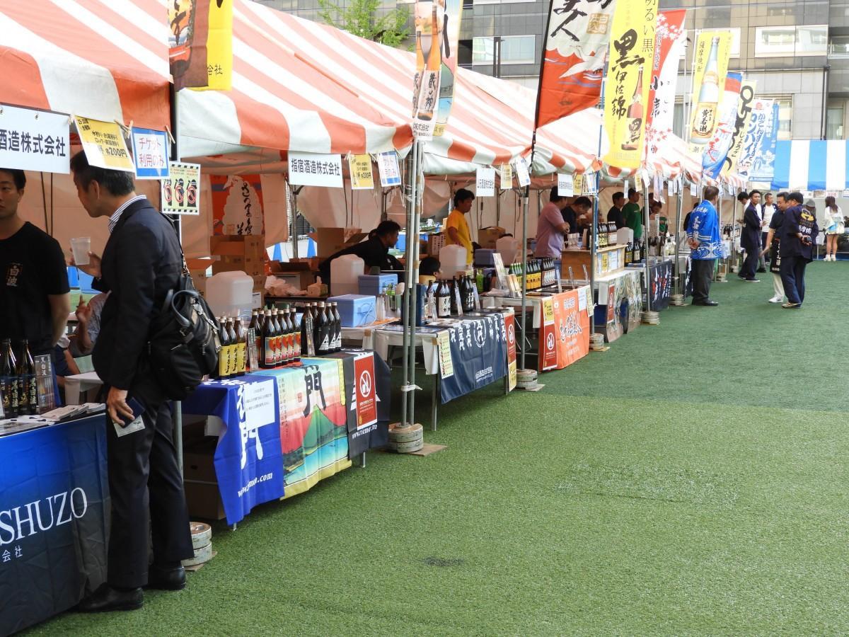 鹿児島焼酎が並ぶ「鹿児島焼酎だれやめゾーン」