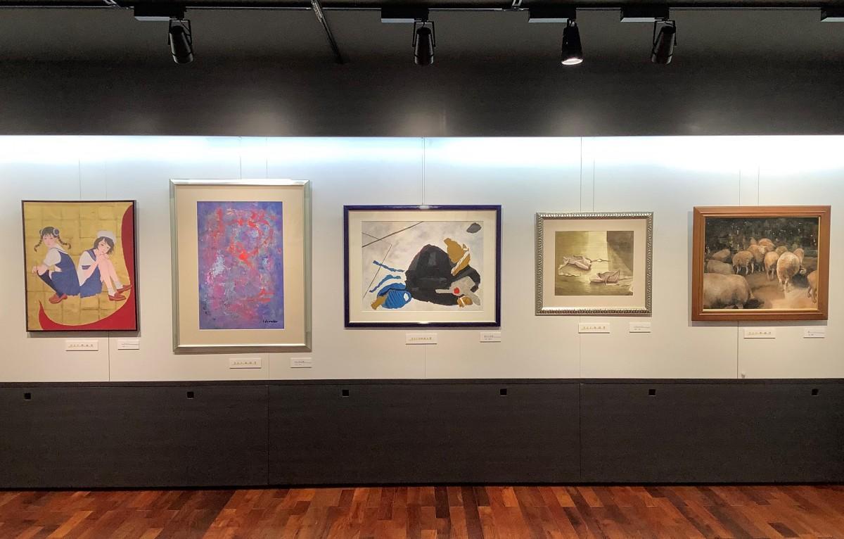 「第3回 女性ゆめ育芸術祭」受賞5作品展示の様子
