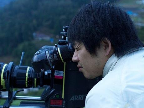 「徳島を題材にした映画を作っていきたい」と話す蔦監督