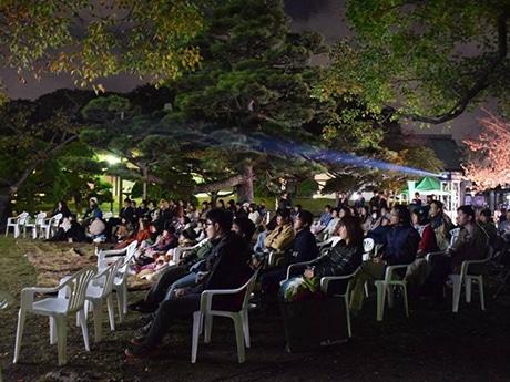 徳島中央公園で映画野外上映会 地元大学生が企画・運営