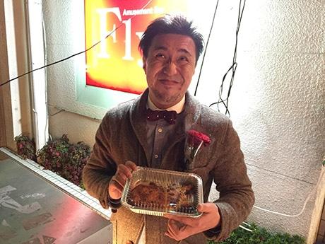 徳島の繁華街に「しょーねるサンダース」 阿波尾鶏の「Xマスチキン」を店頭販売