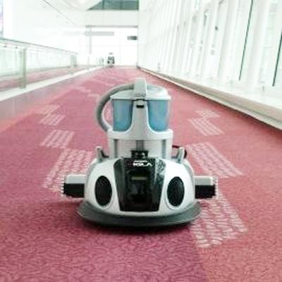 羽田空港ターミナルで稼働する「自律走行型清掃ロボット『F.ROBO CLEAN』」