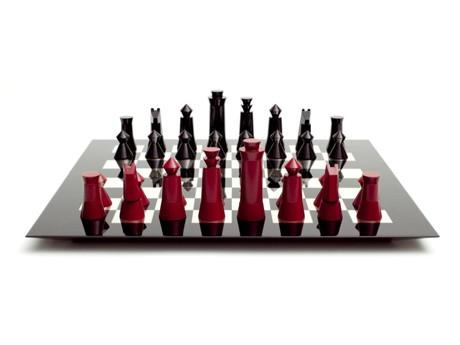 「漆器のチェスセット」