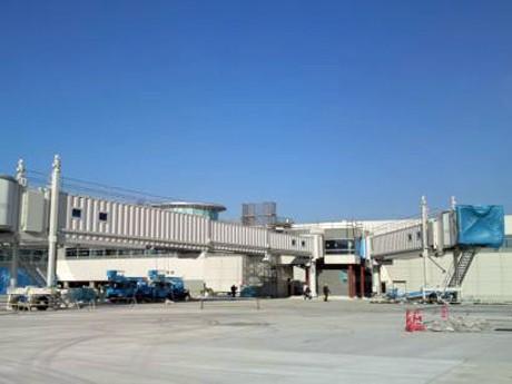 まもなく増設工事が終了する羽田空港第2旅客ターミナルビル増設部。