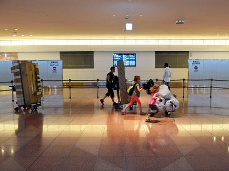 羽田空港国際線旅客ターミナル・到着ロビーの深夜の風景(参考画像)
