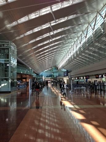 羽田空港国内線第2ターミナル出発ロビー
