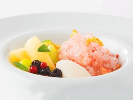 「桃とマスカットのフレンチかき氷」