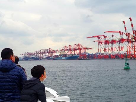 東京港で水上バスによる社会科見学 レインボーブリッジやコンテナふ頭見学も
