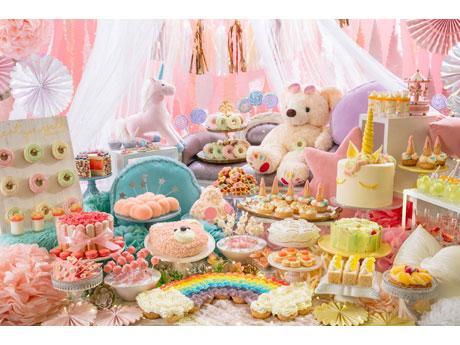 「真夏の『ゆめかわ』ホームパーティー」をイメージしたデザートビュッフェ