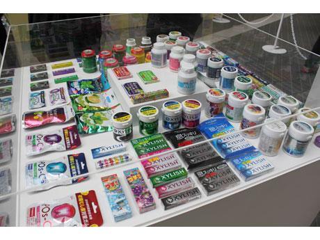 チューインガム商品展示の様子