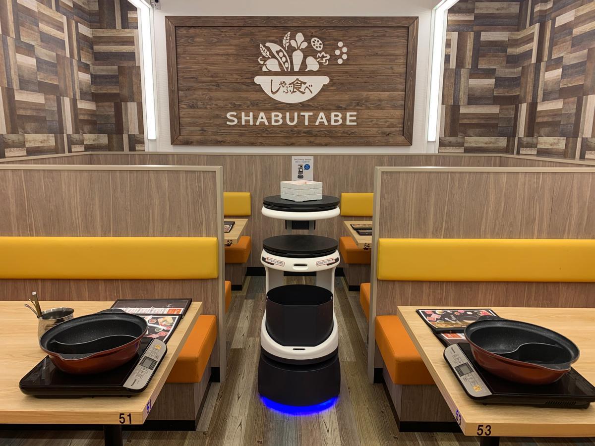 2021年1月から販売開始する配膳・運搬ロボット「Servi(サービィ)」