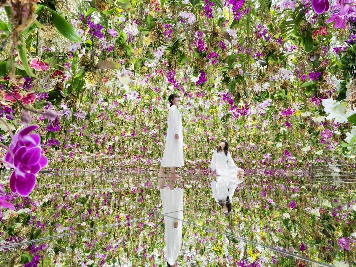 「Floating Flower Garden:花と我と同根、庭と我と一体」