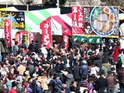 富山・入善で「ラーメンまつり」 全国スイーツフェアも同時開催