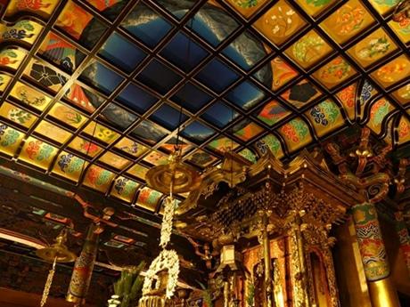 清河恵美さんが描いた善巧寺の天井画
