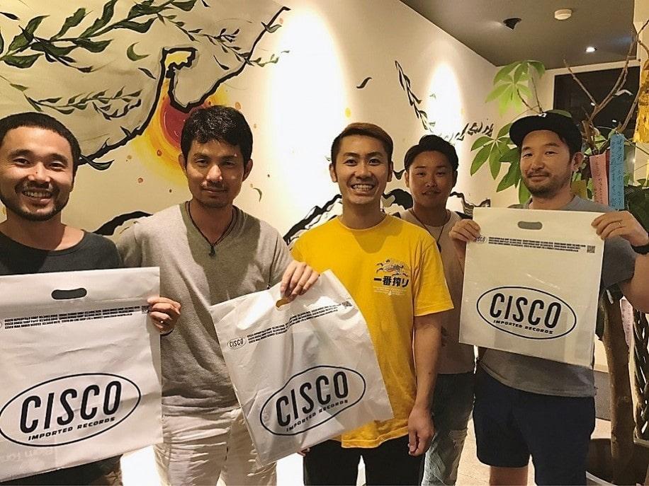 左からレギュラーDJのWATARU TAKANOさん、KENJEEさん、SHIMAさん、TACHIBANAさん