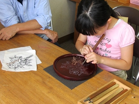 井波彫刻の体験ワークショップ