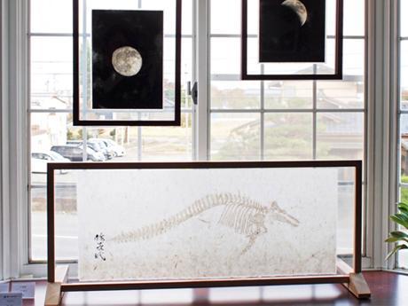 透かしなどの技法を取り入れた川原さんの作品