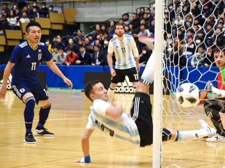 開始1分に日本代表が先制ゴール