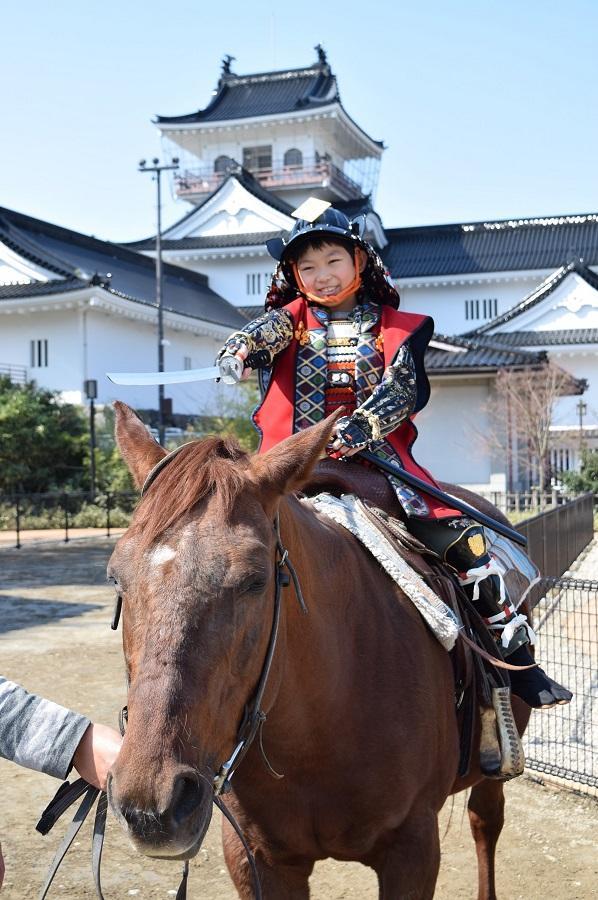 乗馬武者コースは小学生以上から体験できる
