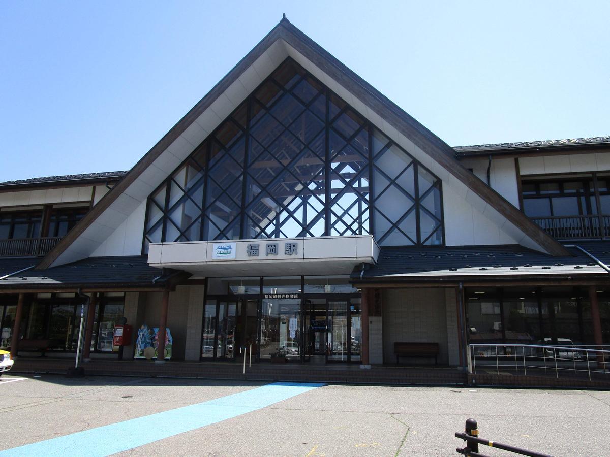 音楽イベントが行われる、あいの風とやま鉄道の福岡駅