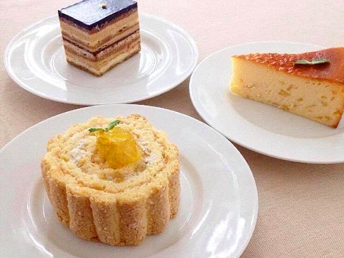 庄川ゆずを使用したロールケーキとチーズケーキ、パティシエールなかやま定番のオペラ