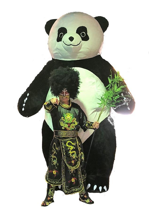 身長3メートルの巨体のアンドレザ・ジャイアントパンダ