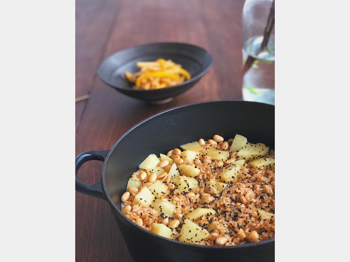 ジャガイモといり大豆の炊き込みご飯