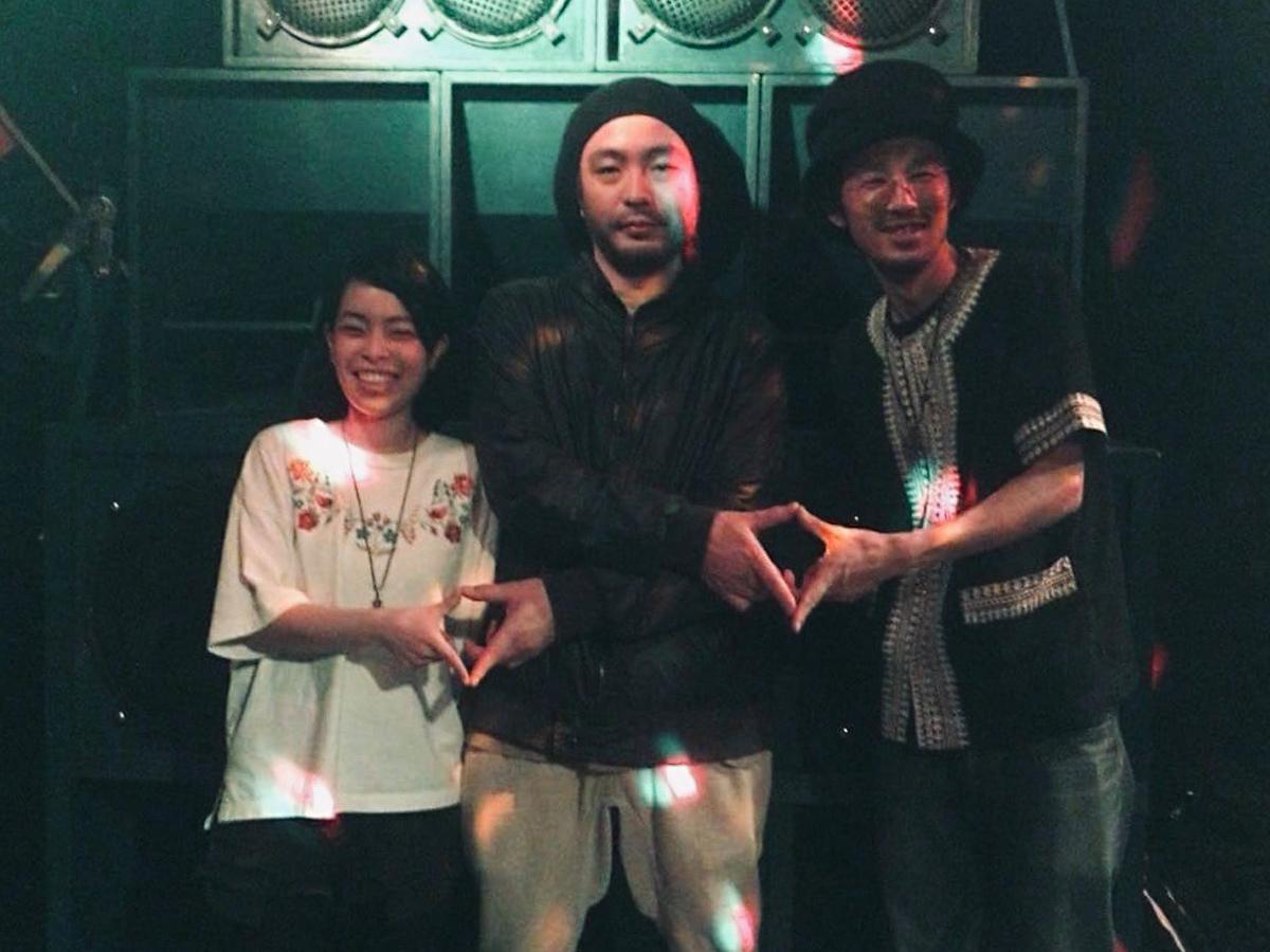 左からサウンドシステム制作助手のMissaさん、1945 a.k.a KURANAKAさん、Ras Booさん