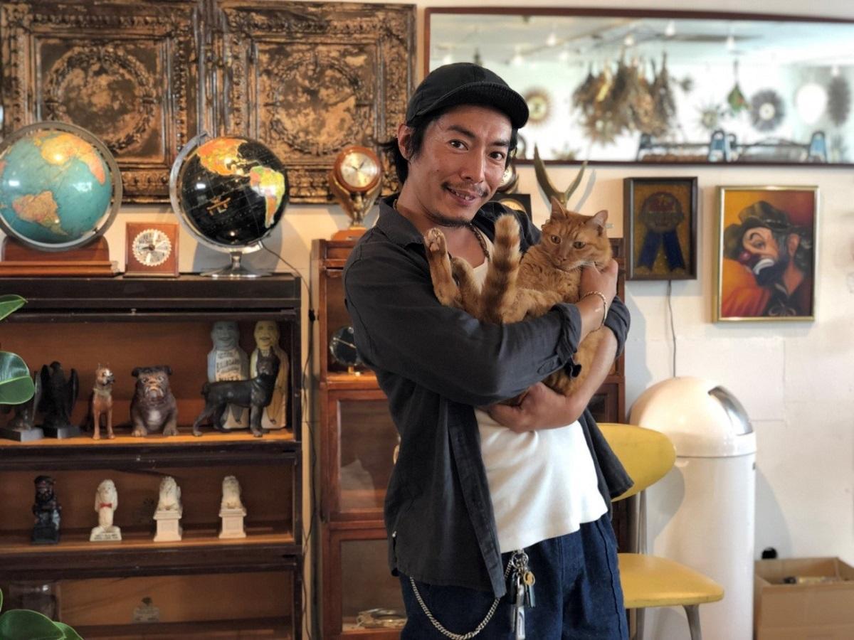 堀田さんと看板猫のジミー