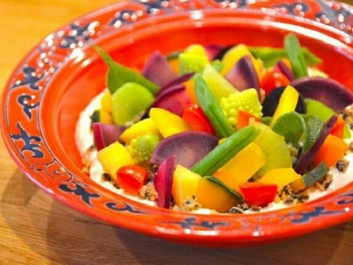人気メニュー「季節野菜の豆乳ポテトムース」