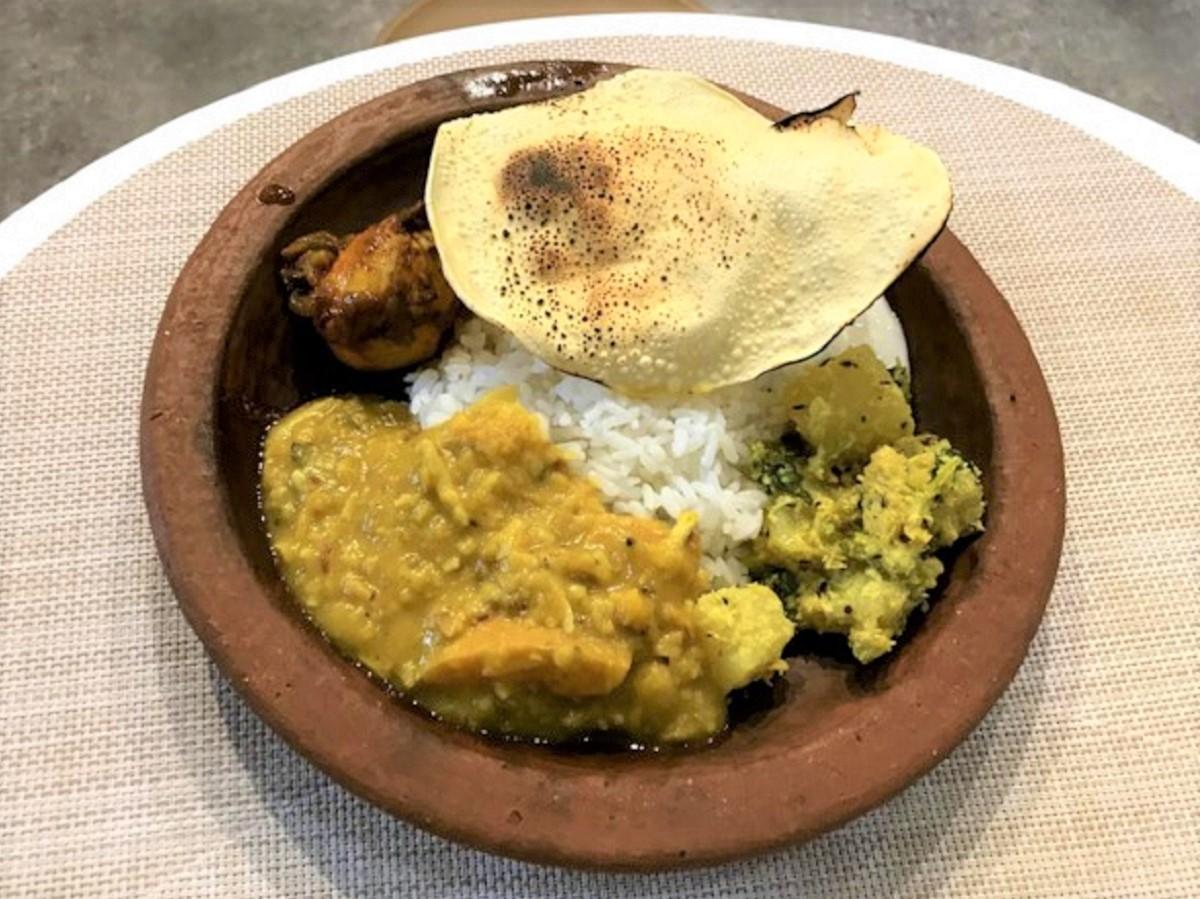 南インド料理の定食「ミールス」