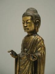 東京国立博物館、「金銅如来立像」をレプリカ化-35万円で販売