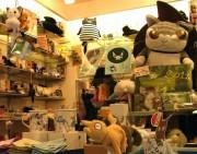 谷中の猫グッズ店「のら」が1周年-猫を核にした地域活性化目指す