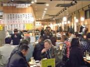 上野の居酒屋街、ボーナス支給も売り上げ横ばい-高級店へ流れる?