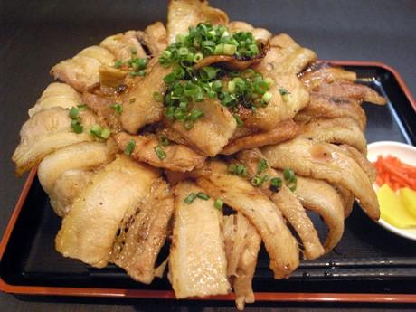東上野にもつ焼き店「もつよし」-ランチのボリューム「豚肉 ...