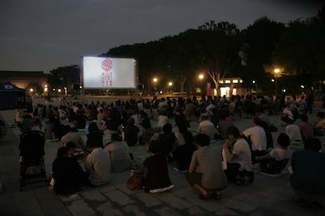 したまちコメディ映画祭が無料映画会-「インディ・ジョーンズ」屋外上映も