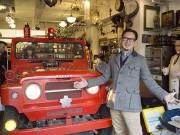 アンティークショップ「EXPO」全焼から1年、営業再開へ-新しいシンボルに消防車