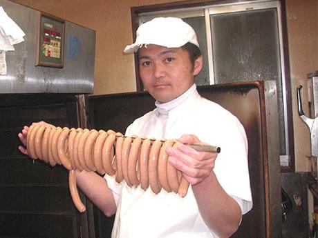 入谷の手作りハム店が18年目 高級食材使いリーズナブルに提供