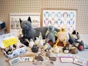 谷中のギャラリーで鳥と猫がテーマの作品展 11組の作家が参加