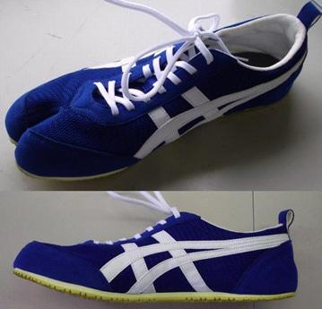アシックス(兵庫県神戸市)が開発した足袋型の運動靴「宇宙靴」