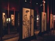 梅田で東學さん墨画展「天妖」-現代アートで「遊郭」を表現