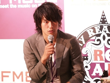 「Sony REAL MUSIQ」の公開収録に登場した松山ケンイチさん