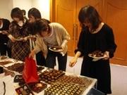 今年のチョコレートが一堂に-阪急・阪神合同で「チョコ味見会」