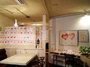 扇町・ボダイジュカフェで「平尾徹ハート展」-730枚の「ハート」を展示