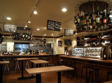 ワイン&タパス「Bouchon(ブション)」の店内