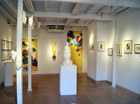 ギャラリースペース「イロリムラ」内「[89]画廊」1階の展示