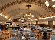 阪急うめだ本店にレストラン「シャンデリア テーブル」-旧コンコースを再現